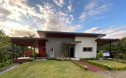 1.24 ACRES – 2 Bedroom Fully Furnished Home In Nice Community With Sunset Views!!!!