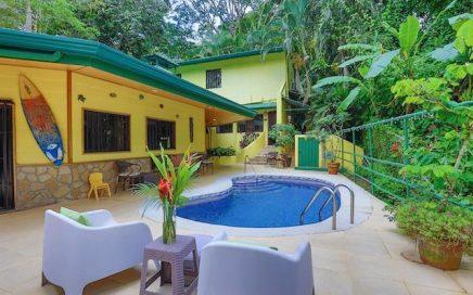 0.28 ACRES – 8 Bedrooms In Multiple Villas, Succesful Vacation Rentals, Pool, Great Location!!!!