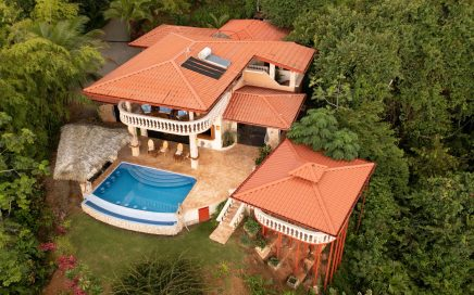 4.83 ACRES – 4 Bedroom Private Forest Luxury With Front Row Ocean View In Escaleras!!!