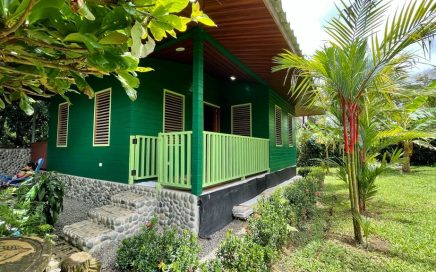 0.06 ACRES – 1 Bedroom Casita Surrounded By Fruit Trees In Uvita!!!!