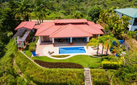 0.54 ACRES – 3 Bedroom Modern Tropical Home With Pool And Fabulous Ocean View!!!!!